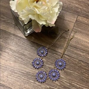 💕3 for $20💕 Awesome Flower Statement necklace